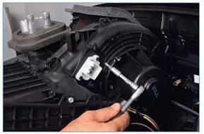 Не работает печка на автомобиле Форд Фокус 2. Что делать?