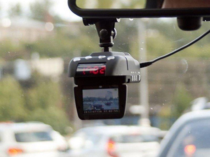 Выбираем видеорегистратор с антирадаром 2016