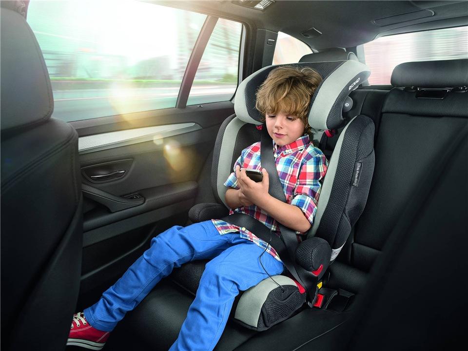 Перевозка детей в автомобиле 2017