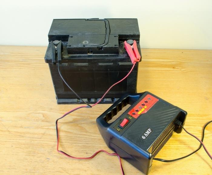 Как заряжать аккумулятор автоматическим зарядным устройством