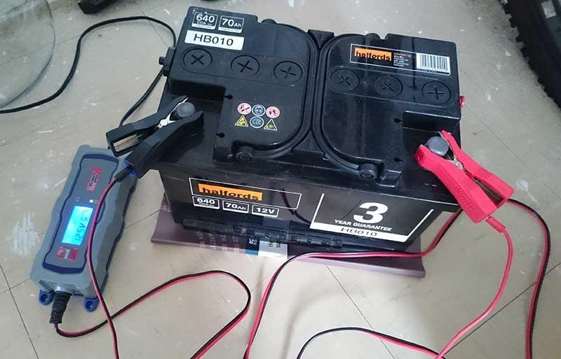 Каким током заряжать автомобильный аккумулятор 60ач